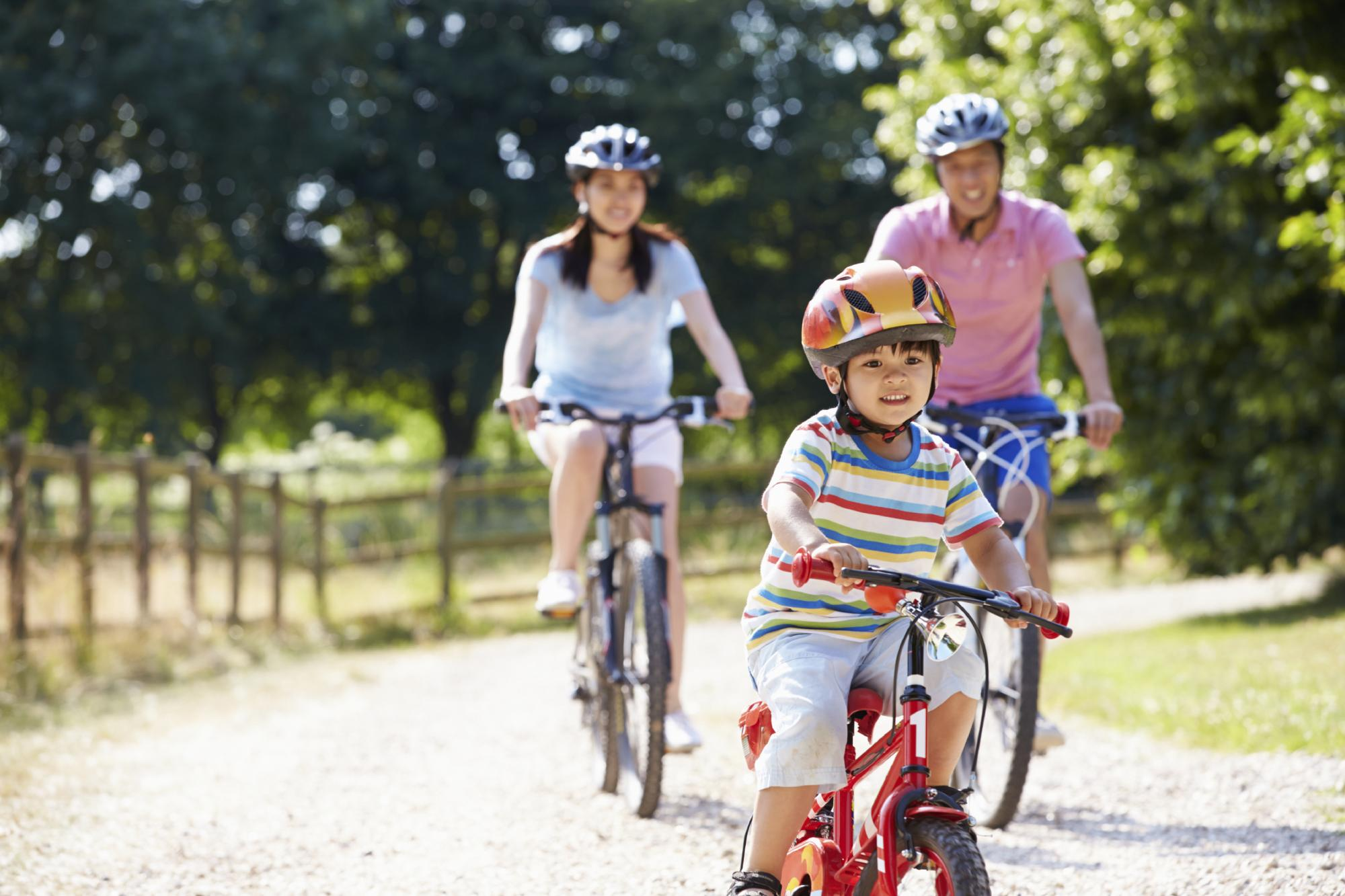 5 Ways for Parents to Get Fit with Their Kids - Precor (US)
